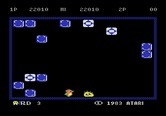 Pengo for Atari 5200 - Only one sno-bee left, and it's stunned by the wall...