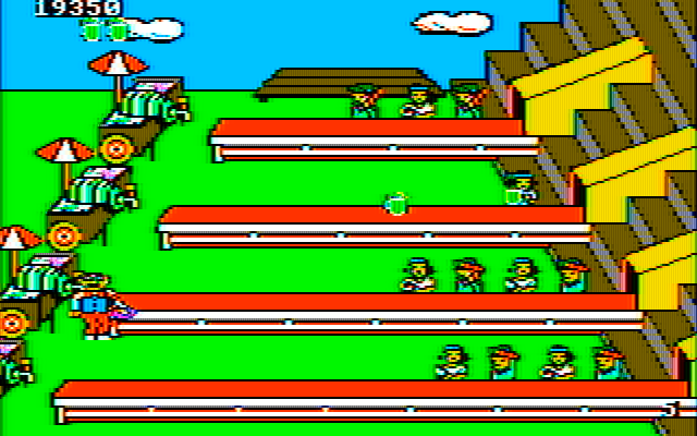 Tapper IBM PC/Compatibles Screenshot: This is a thirsty crowd!